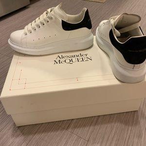Alexander McQueen Women's Sneaker 38